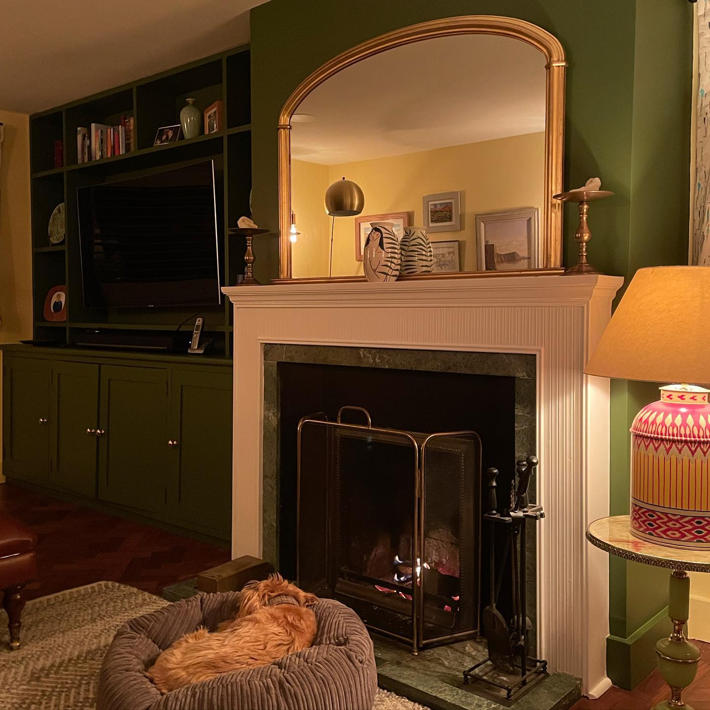 Our snug is a typical cottage proportioned room with small windows and a low ceiling. It's a perfect evening room so we went for a verdant rich green 'jewel beetle' as an accent and then an uplifting yellow 'Carys' on the remaining walls. You've got to love a fresh lick of paint! @littlegreenepaintcompany